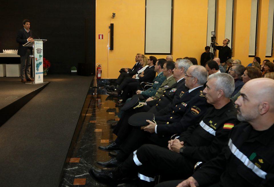 """La Diputación homenajea a los """"héroes"""" de la DANA 6"""