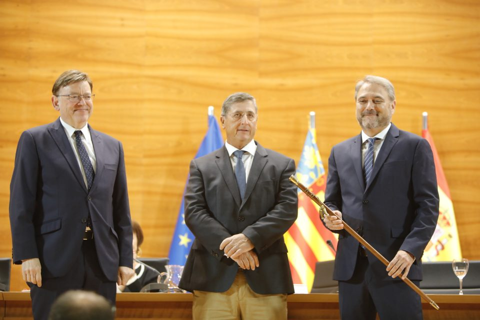 Juanjo Ruíz ya es oficialmente rector de la UMH 6