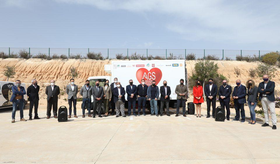 Alicante Gastronómica Solidaria recibe la donación de un camión de reparto 6
