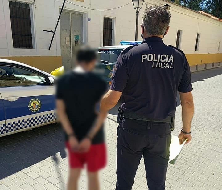 La Policía Local de Bigastro detiene a un joven por tráfico de drogas 6