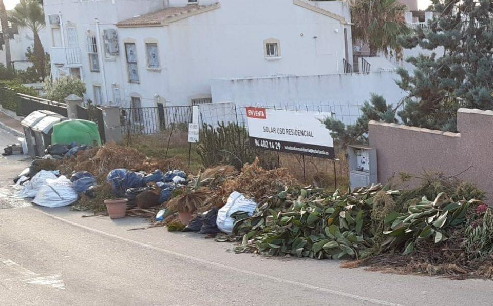 Los vecinos y vecinas de Orihuela Costa reclaman más limpieza 6