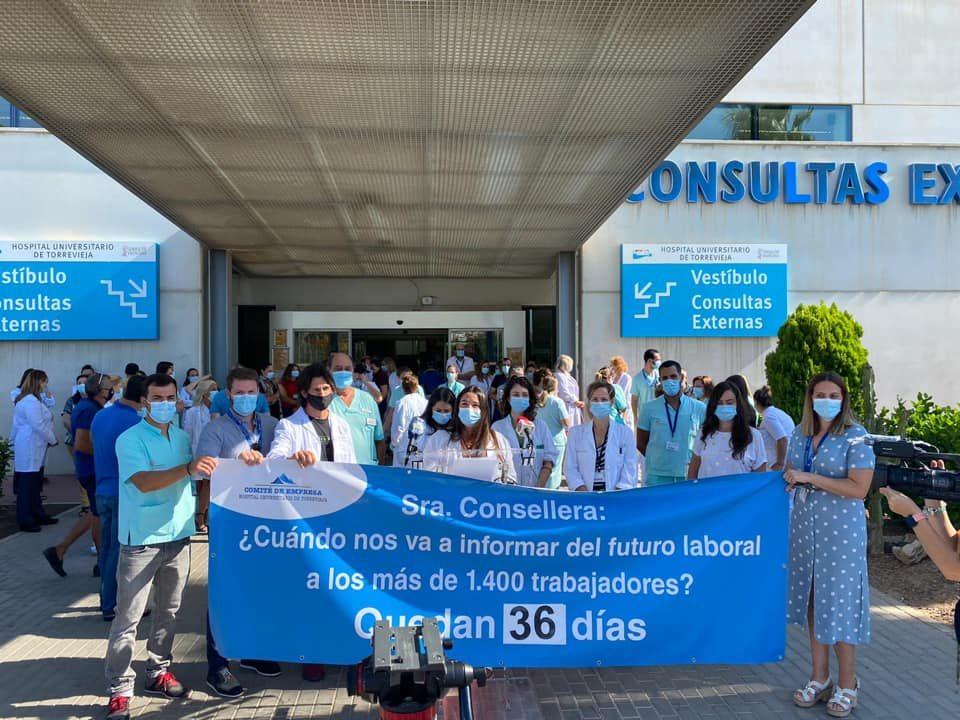 Los trabajadores del Hospital de Torrevieja se movilizan ante el silencio de Sanidad 6