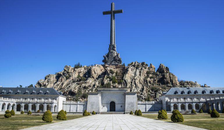 La mayoría se muestra a favor de la exhumación de los restos de Franco 6
