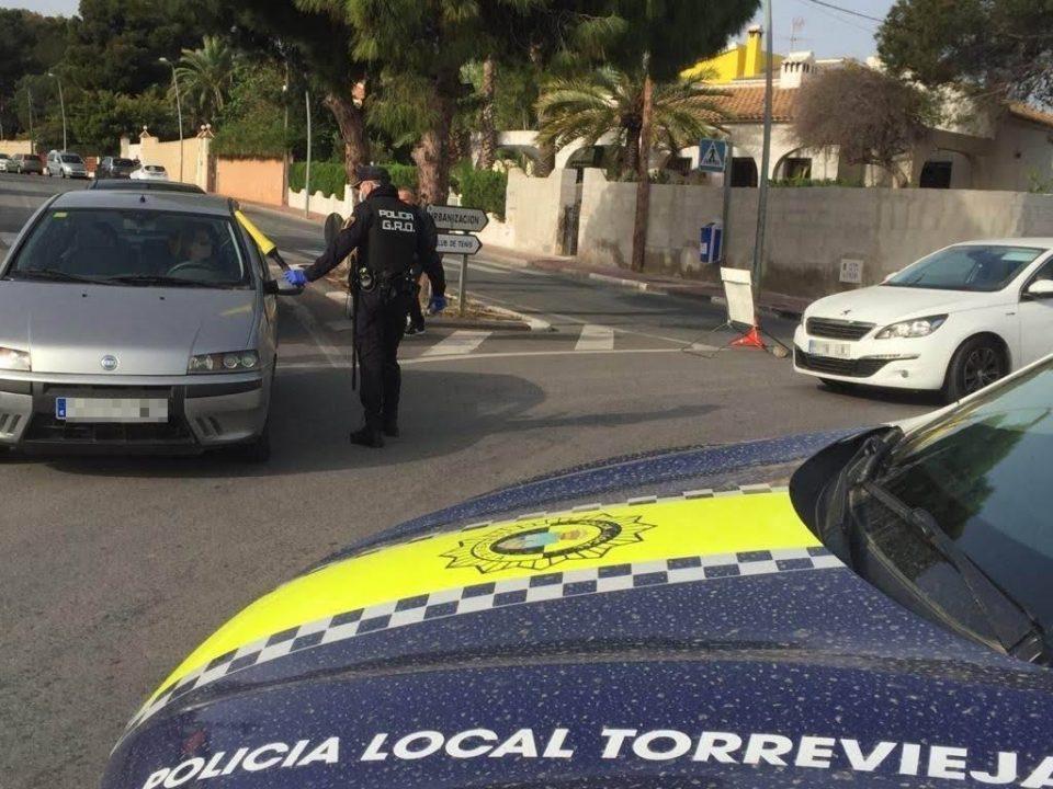 Despliegue policial para controlar el cierre perimetral de Orihuela y Torrevieja 6