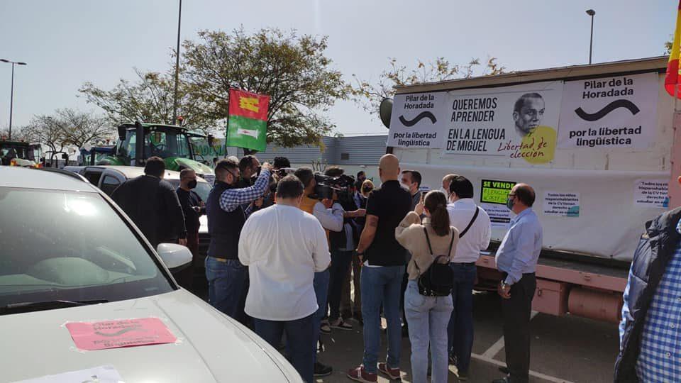 Pilar de la Horadada salta a las calles en contra de la imposición del plurilingüismo 6