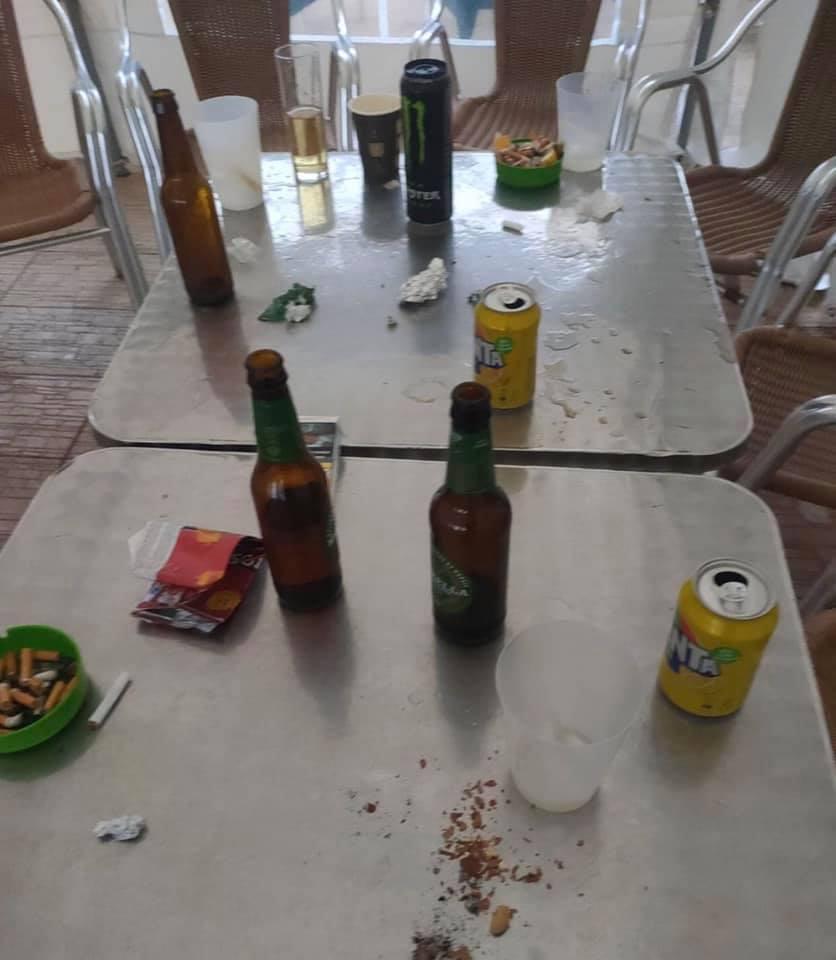 La Policía Local de Pilar de la Horadada desaloja una fiesta en el interior de un bar 6