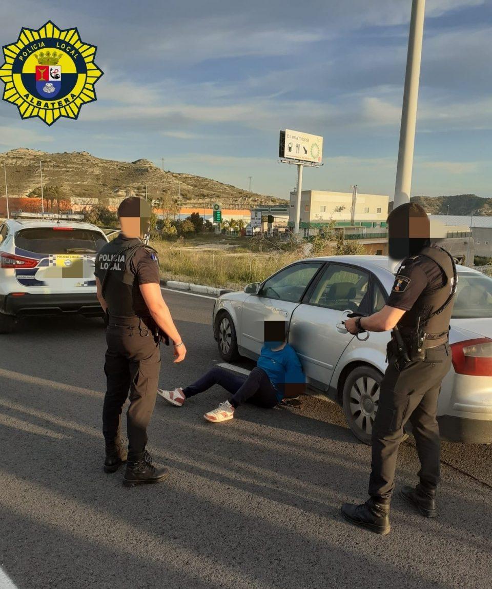 Persecución de película de un conductor temerario en Albatera 6