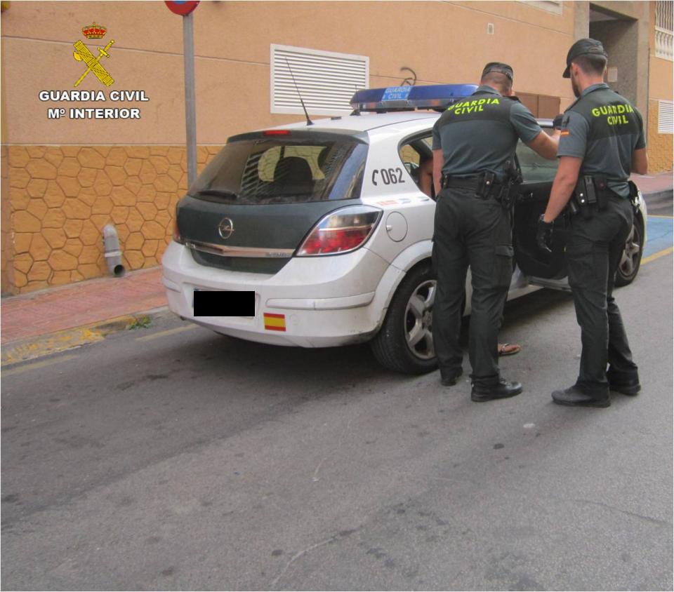 Detenido un hombre por agredir a otro en un casa okupa de Torrevieja 6