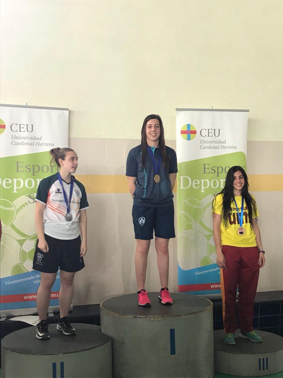 Carmen Riquelme gana el oro autonómico universitario en 100 braza 6