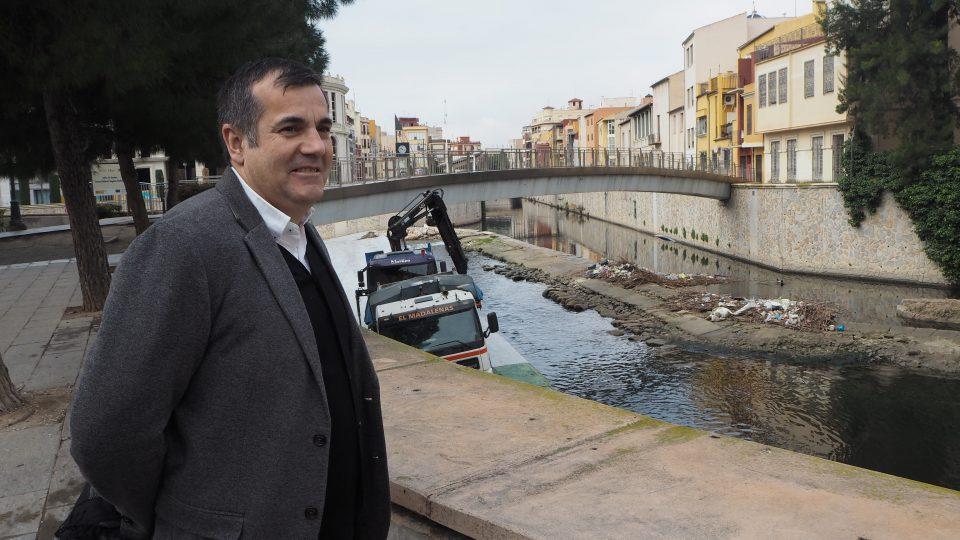 Medio Ambiente tendrá servicio de limpieza para los azudes del río durante un año 6