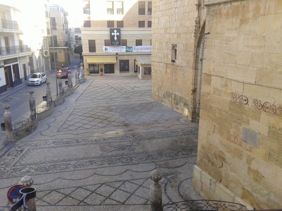La Plaza de España de Callosa estrena imagen sin la Cruz de los Caídos 6