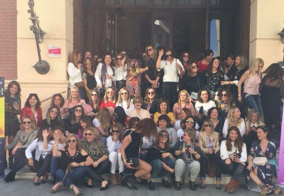 Un centenar de oriolanas celebran una convivencia por el Día de la Mujer 6