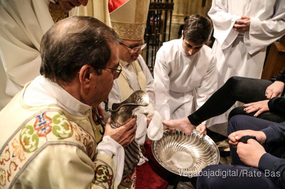 La Misa de Oficios de Jueves Santo en Orihuela 6