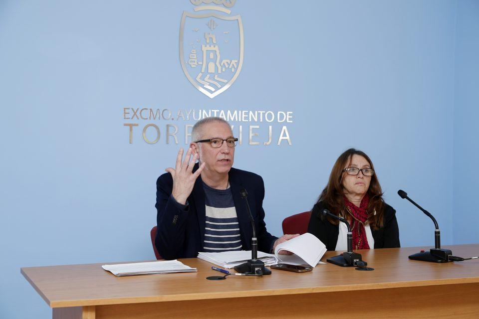 Torrevieja abona la totalidad de la primera fase de la Xarxa Llibres 6