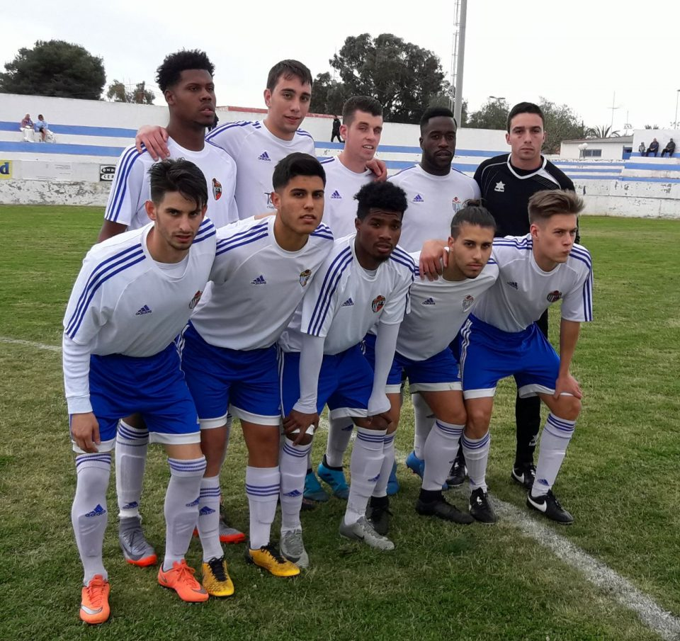 El CD Torrevieja se queda con 6 jugadores y no puede finalizar su partido contra el Redován 6