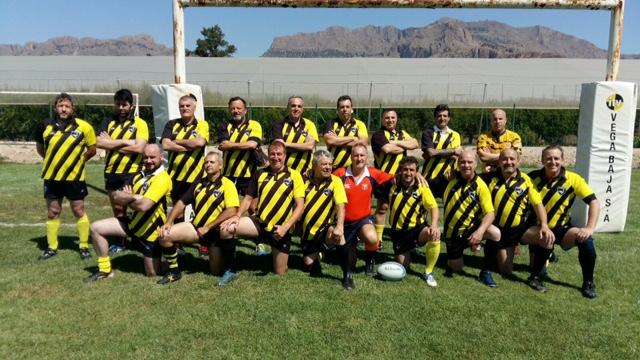 Los veteranos del ITV Vega Baja celebran la fiesta del rugby en Elche 6
