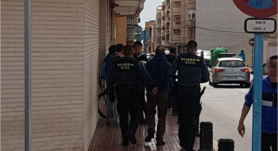 Detienen en Torrevieja a un profesor por abuso sexual a una menor 6