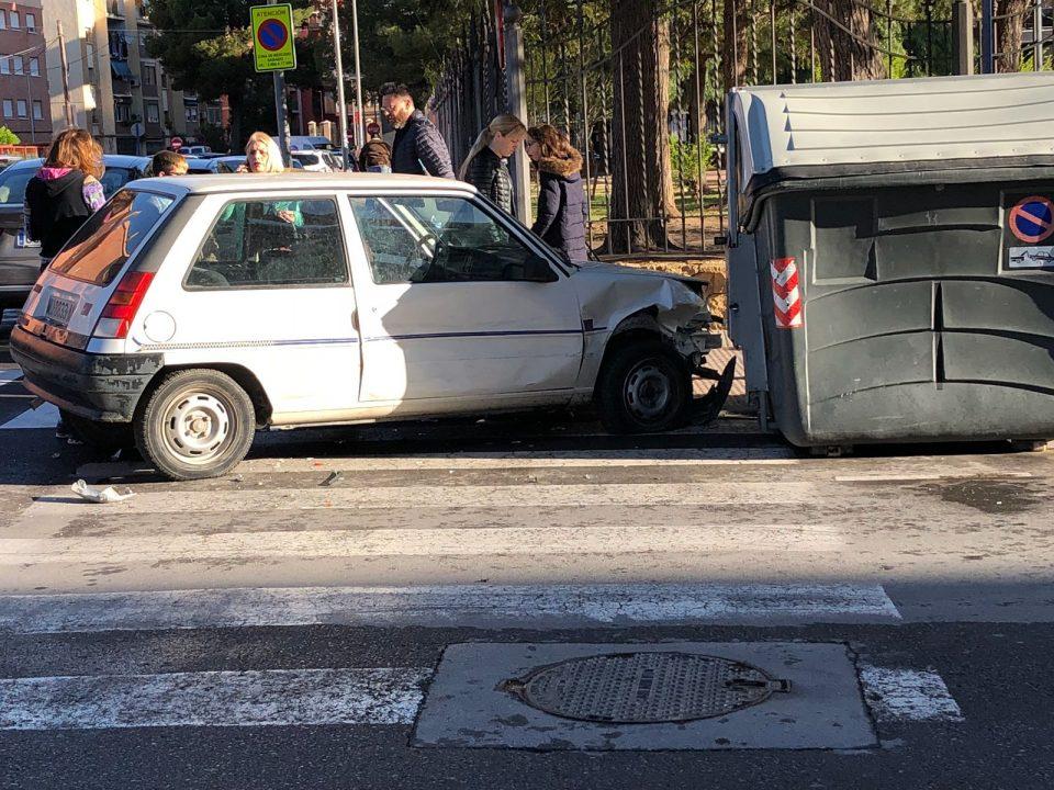 Un accidente en el casco urbano de Orihuela deja una herida leve 6