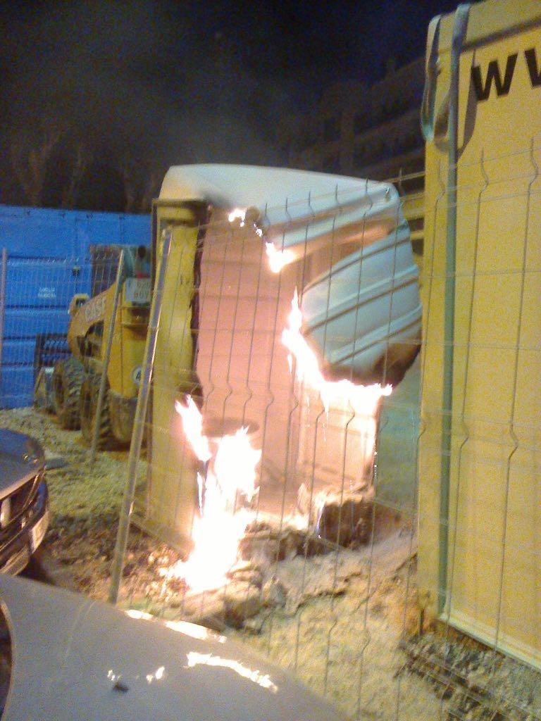 Se incendia un baño portátil junto a las obras de la plaza de toros 6