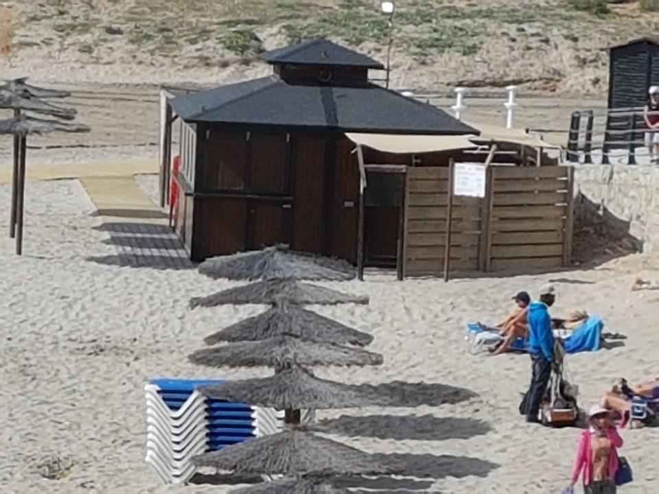 En el aire la apertura de los chiriguintos en las playas de Orihuela 6