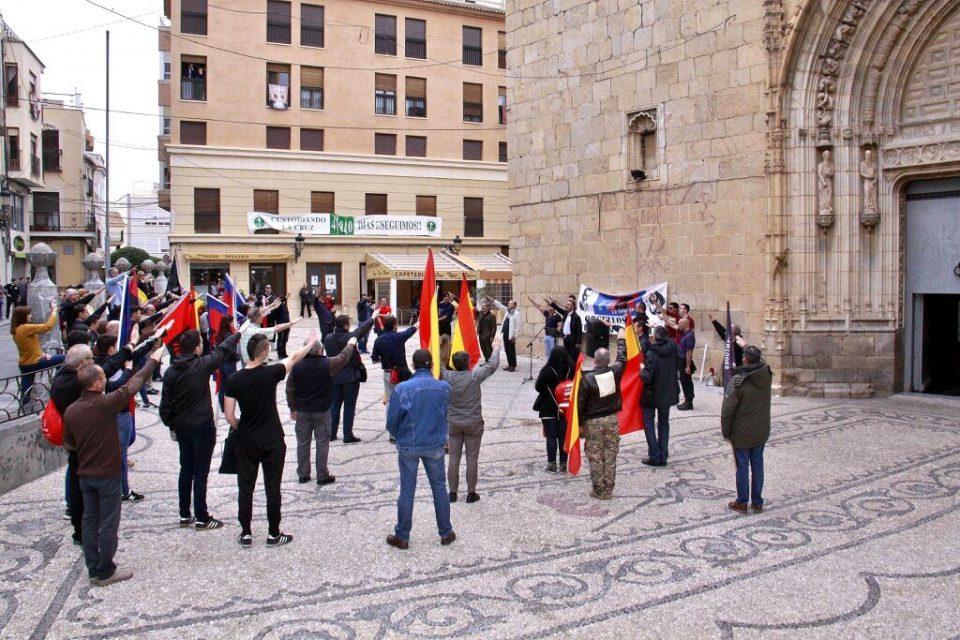 """La Falange se concentra en la plaza de la """"Cruz de los Caídos"""" 6"""