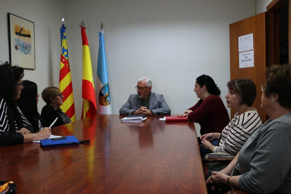 El alcalde de Torrevieja informa sobre la situación del Centro de Discapacitados 6