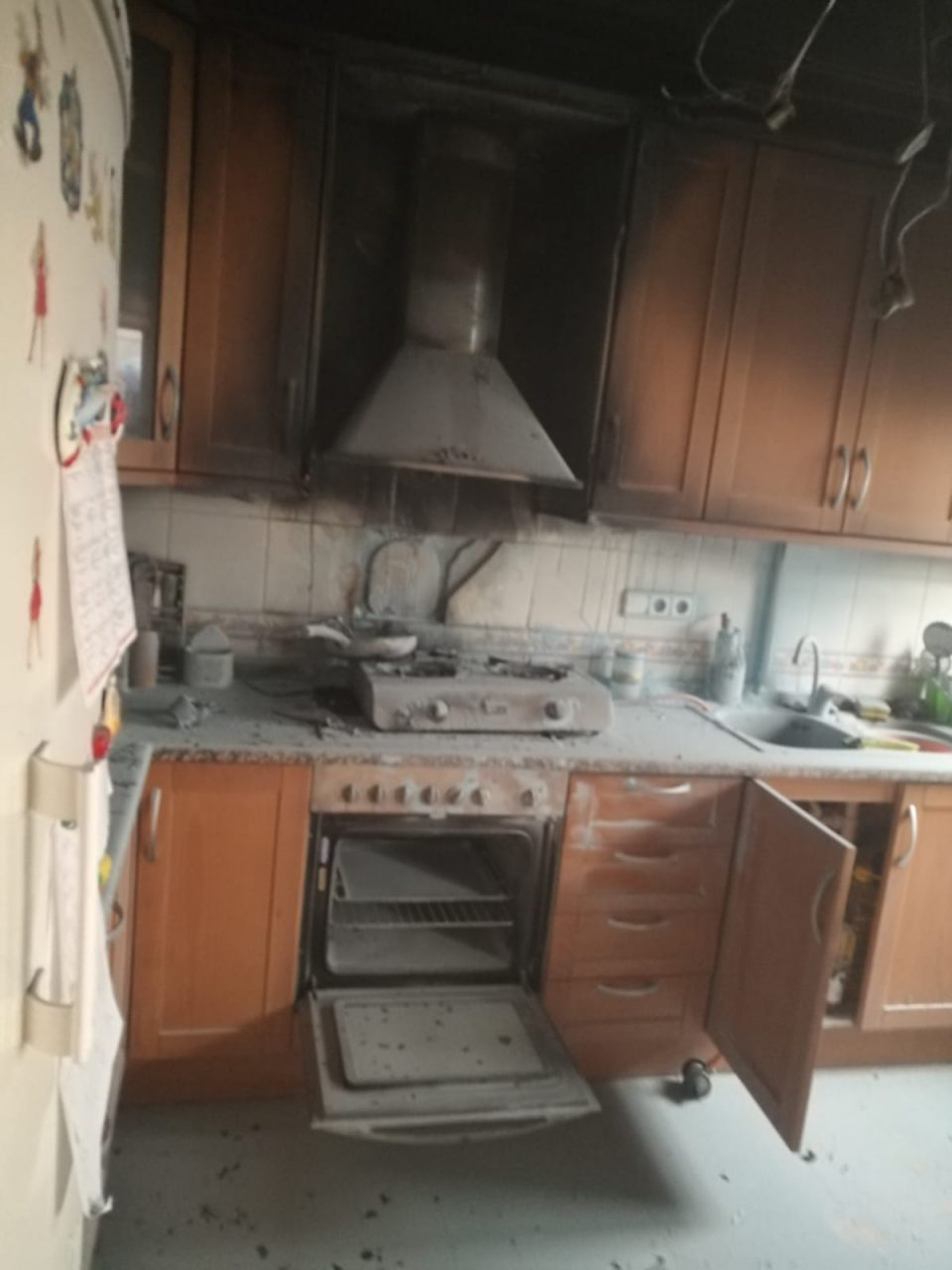Un incendio calcina una cocina en Pilar de la Horadada 6