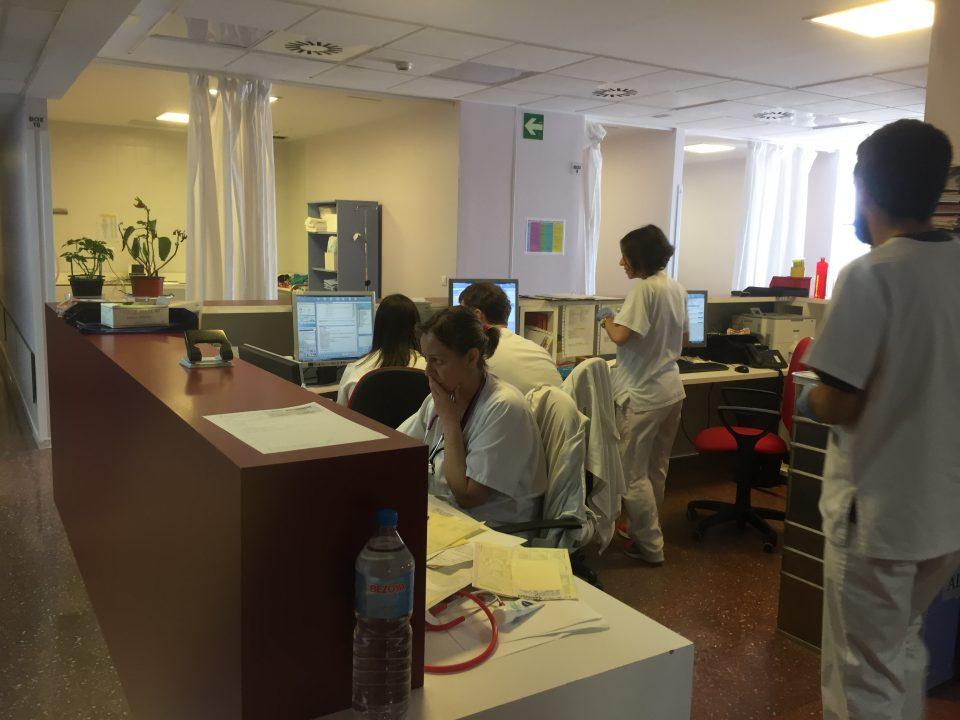 El servicio de Urgencias del Hospital de Orihuela recibe un gran número de agradecimientos 6