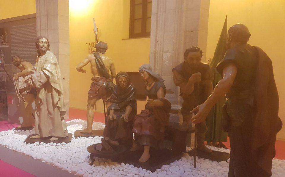 """""""El Prendimiento"""" de Orihuela expone sus imágenes como nunca las habían visto 6"""