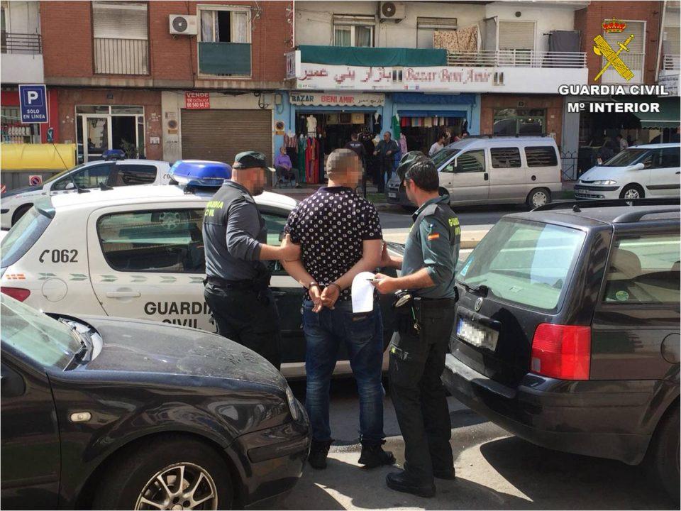 Detenido un joven, residente en Albatera, por robos con violencia 6
