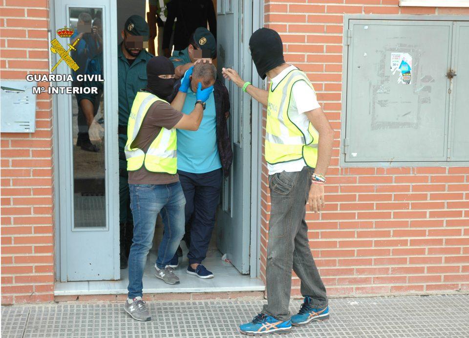 Detenido en Almoradí por introducir inmigrantes desde Marruecos 6