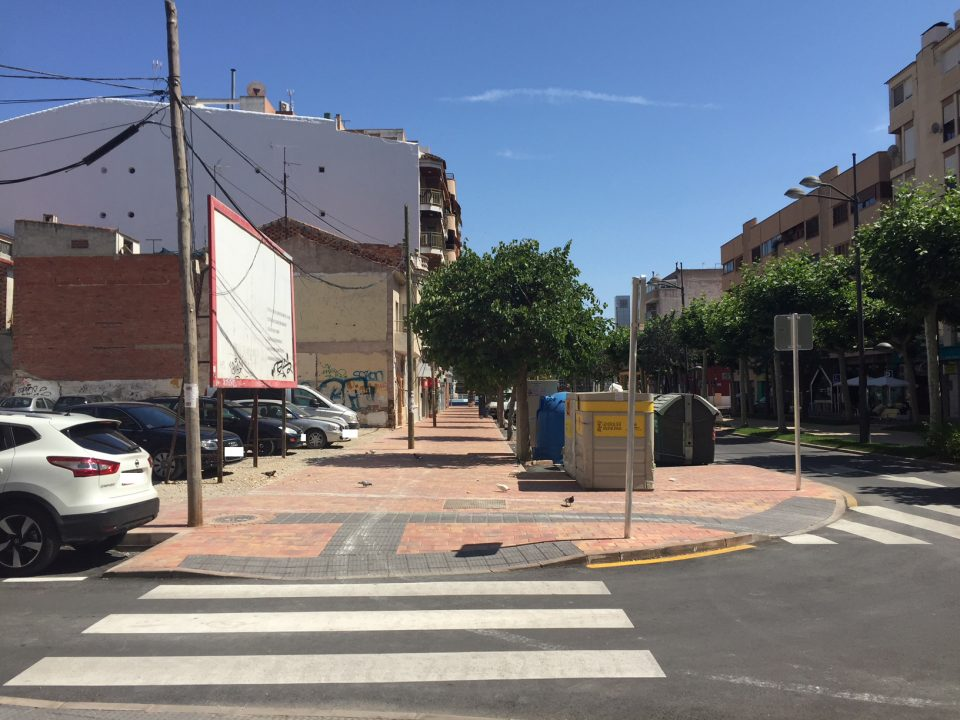 Una mujer es asaltada en la Avenida Teodomiro e intentan quitarle el bolso 6