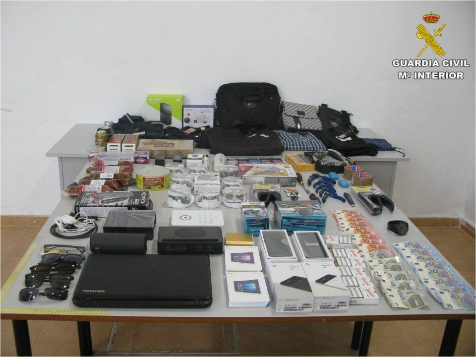 Detenido en Torrevieja un grupo criminal que cometió 20 delitos 6