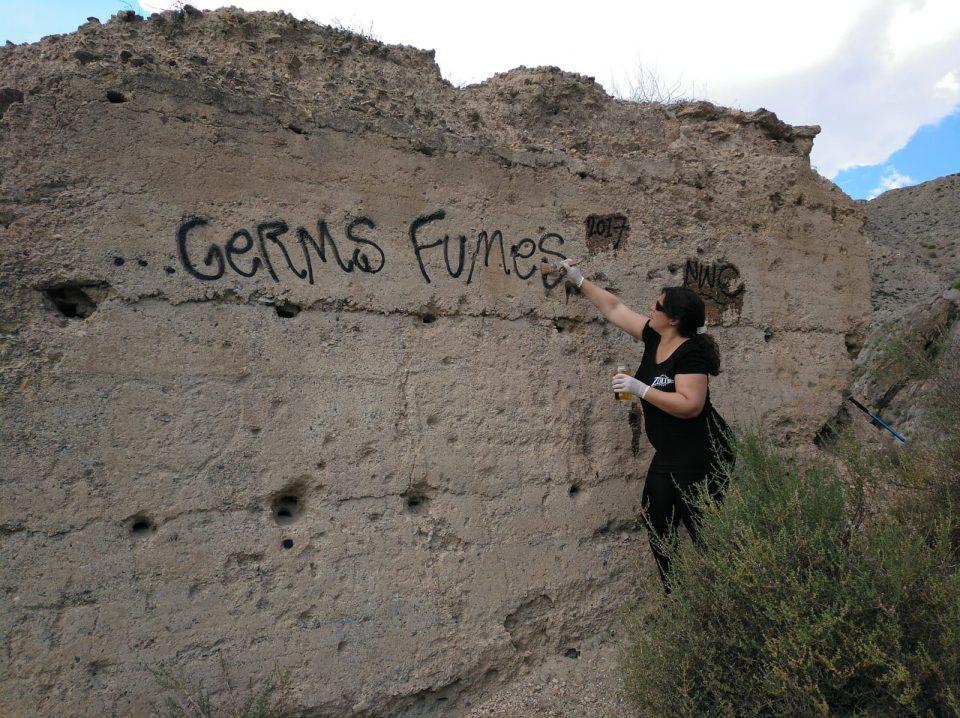 Eliminan los grafitis del Castillo de los Moros de Orihuela 6