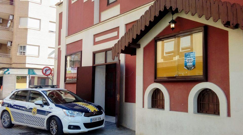 """La Policía Local evita un """"robo de teatro"""" en Almoradí 6"""