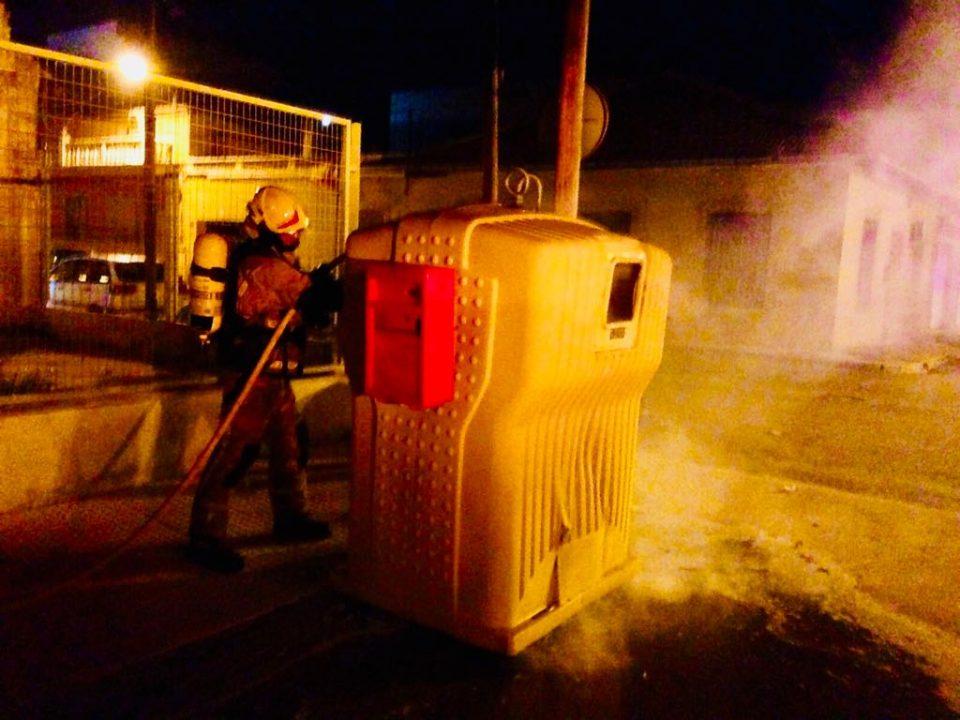 Almoradí sufre una noche de quema de contenedores 6