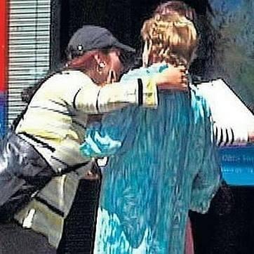 """El """"abrazo cariñoso"""" se salda con dos detenidos en Orihuela 6"""