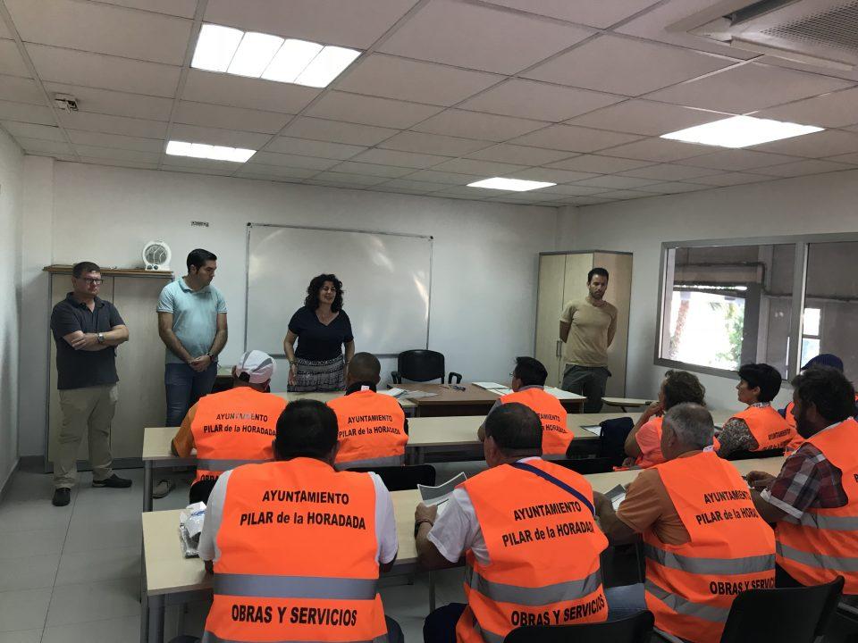 Pilar de la Horadada contrata a 40 desempleados durante la temporada de verano 6