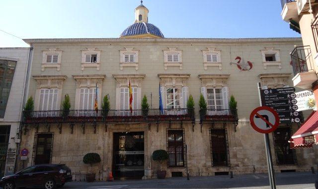 El Ayuntamiento de Orihuela se iluminará de morado para luchar contra el Cáncer de Páncreas 6