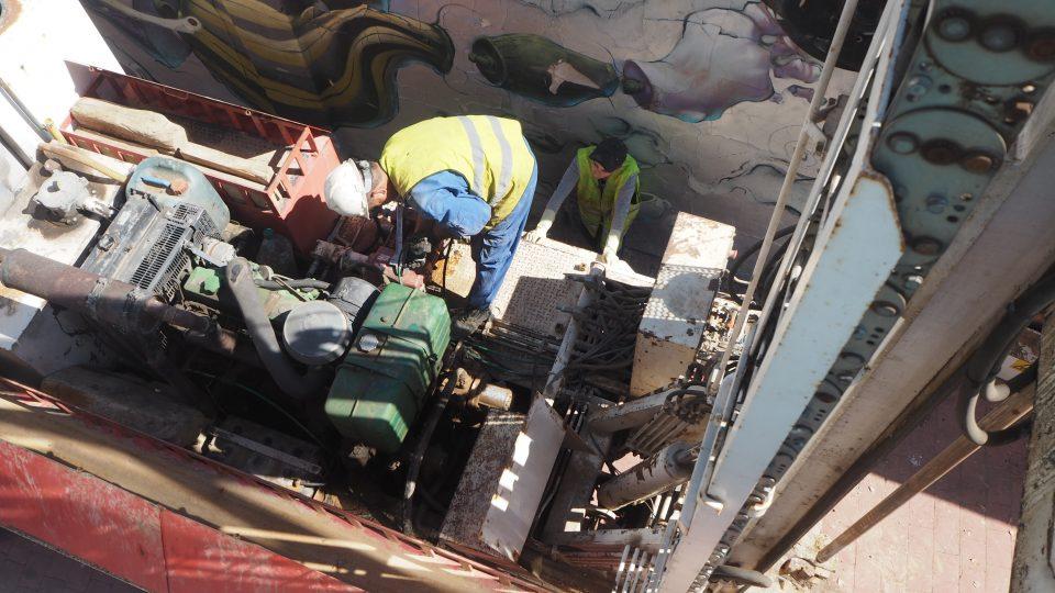 Orihuela trabaja en la nueva pasarela de Correntías 6