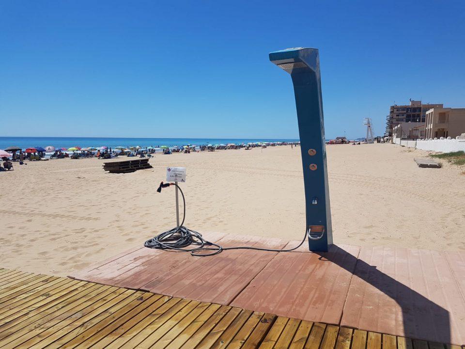 """La """"playa accesible"""" de Guardamar mejora sus instalaciones 6"""