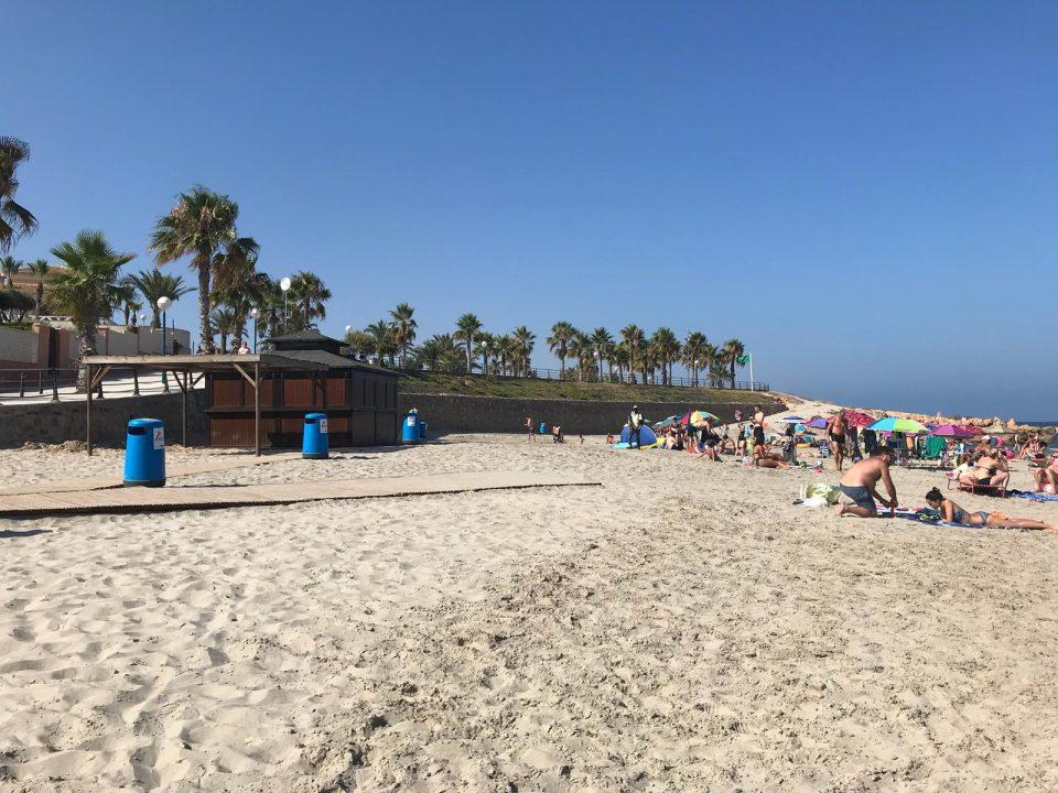 Orihuela da luz verde para la construcción de 8 casetas de socorrismo en sus playas 6