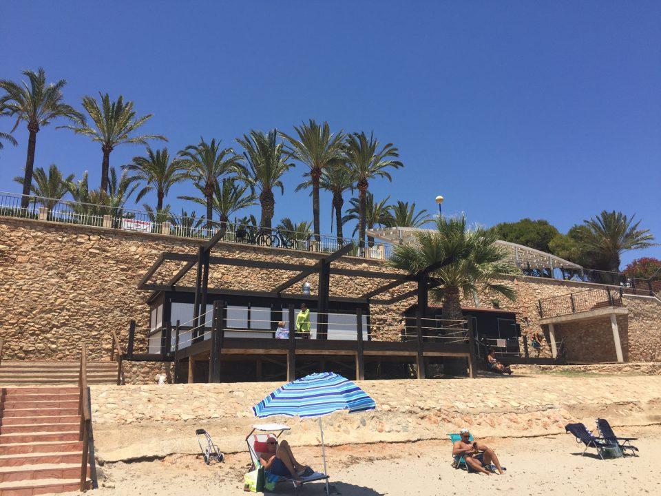 """Adjudican el servicio de playas de Orihuela a """"Chiringuitos del Sol"""" 6"""