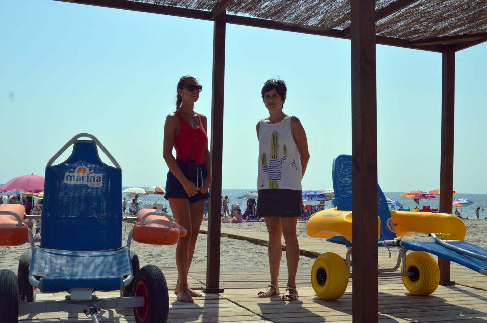 Orihuela mejora el servicio de baño adaptado en sus playas 6