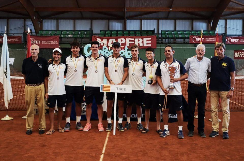 El Club de Tenis Torrevieja gana el bronce en el Campeonato de España junior 6