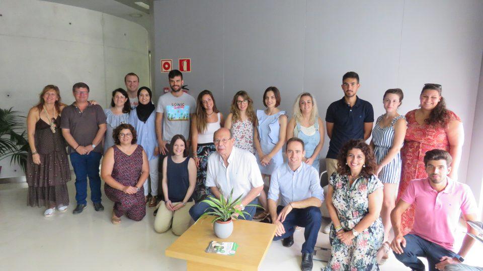 Pilar de la Horadada da la bienvenida al mundo laboral a 11 jóvenes 6