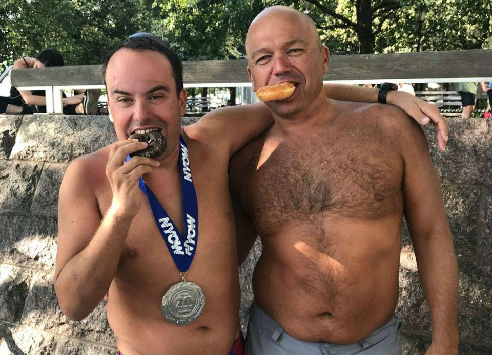 Juanjo Caselles completa con éxito la Vuelta a Nado a Manhattan 6