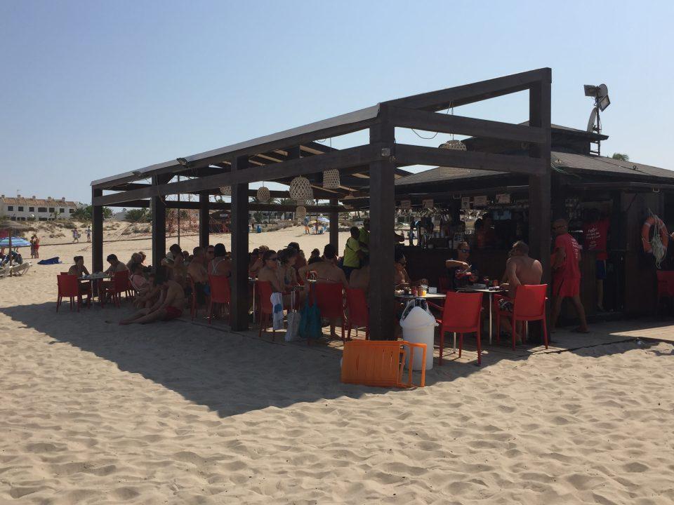Chiringuitos del Sol ya presta servicio en las playas de Orihuela 6