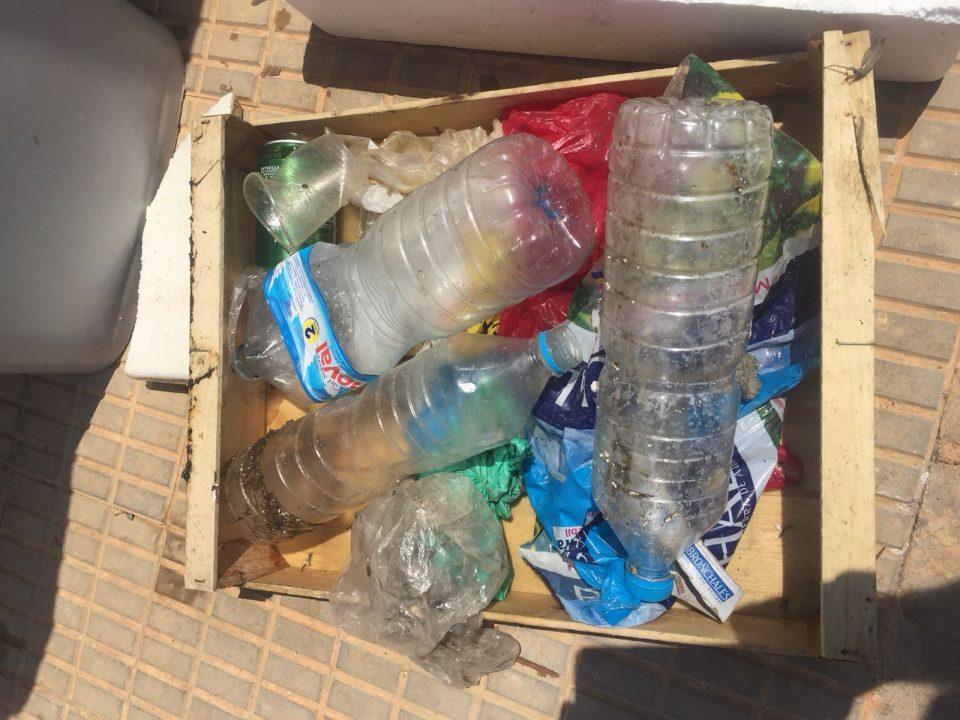 Retiran voluntariamente media tonelada de plástico del mar 6
