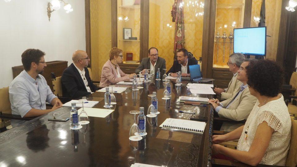 Orihuela reúne al Consejo de Gobierno de la red de Transparencia 6